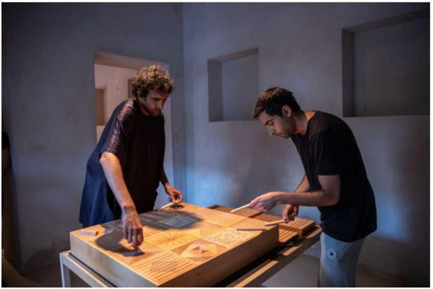 الشارقة للفنون تطلق برنامجاً للإقامة الفنية بالتزامن مع معرض الفنان طارق عطوي