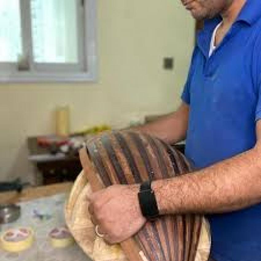 رواج صناعة الأعواد في قطر بدعم من مركز الموسيقى